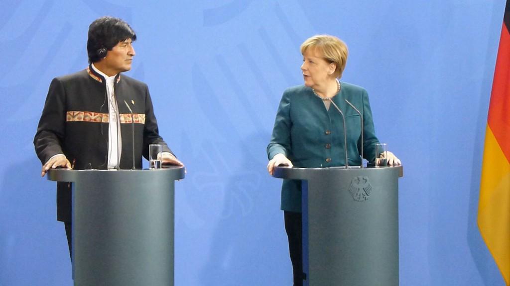 Merkel + Morales fertig